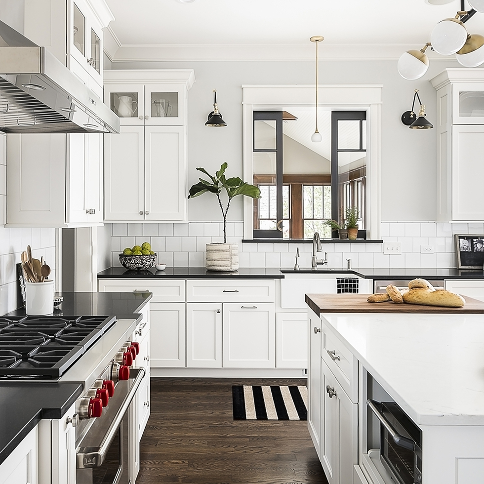Kitchen Designs With Windows: 6 New Ideas For Black-and-White Kitchens